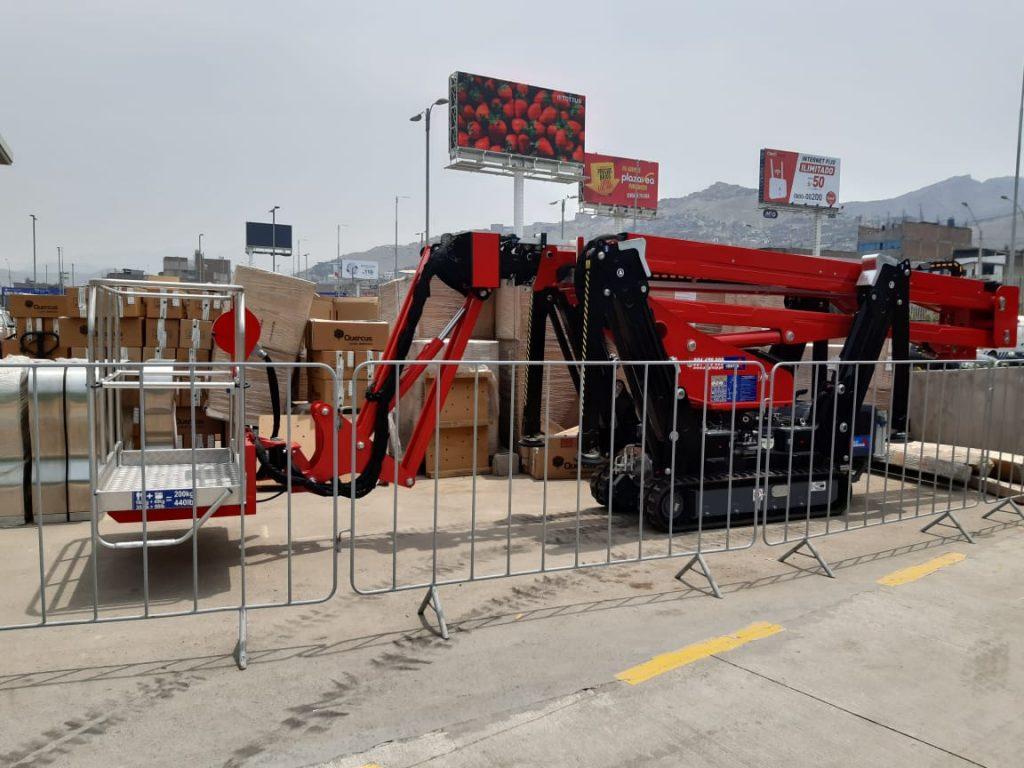 ¡Soluciones en Altura en Perú! Brazos Articulados ALO Lift 21 AJ Spider en mantenimiento de centros comerciales