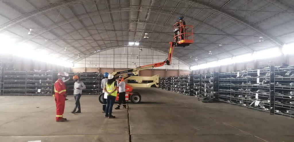 ALO Perú entrega Brazos Articulados JLG E450AJ a empresa de distribución y logística