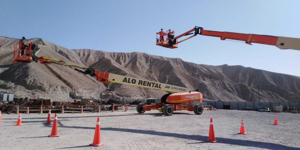 ALO Perú en proyectos mineros con colosales Brazos Telescópicos JLG 1850 SJ y 1350 SJP